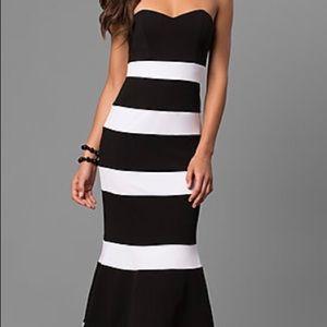 Dresses & Skirts - Dear Moon Long strapless mermaid dress with stripe